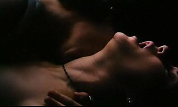 Bound - Gina Gershon & Jennifer Tilly - Love Scene