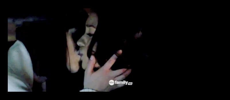 Emily & Paige (Pretty Little Liars) - Arizona