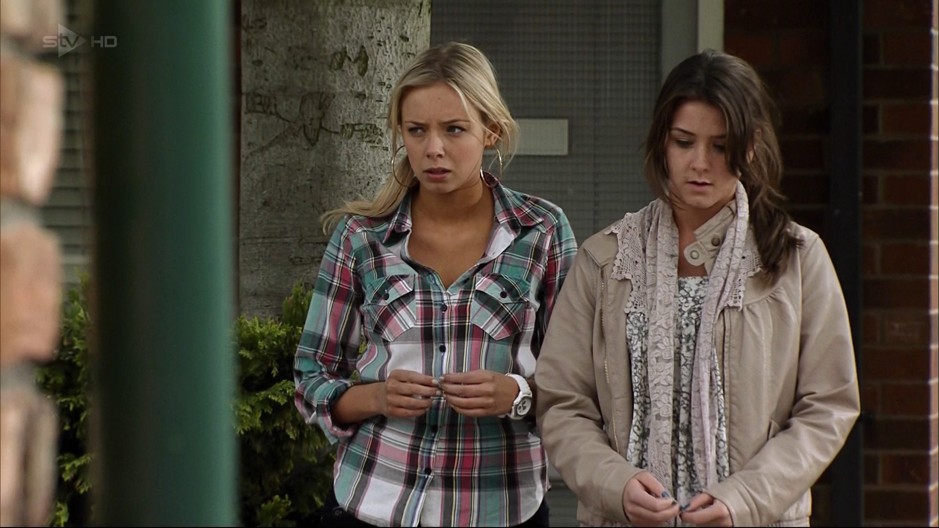 Sophie & Sian (Coronation Street) - 8 July 2011
