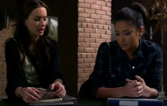 Emily (Pretty Little Liars) - Season 2, Episode 23