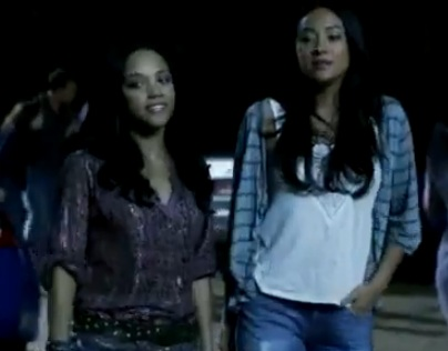 Emily & Maya (Pretty Little Liars) – Season 1 – Part 1