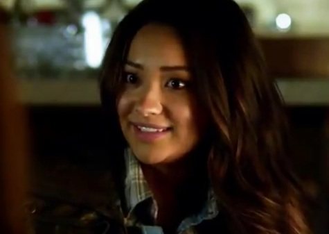 Emily (Pretty Little Liars) - Season 3, Episode 1