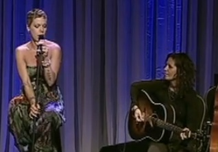Linda Perry & Pink - What's Up (Live @ L.A. Gay & Lesbian Center's An Evening With Women)