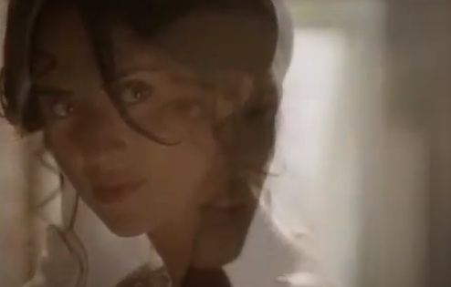 Isabel & Cristina (Tierra de Lobos) - Bleeding Love