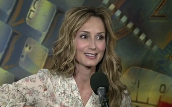 Chely Wright - VOA's Border Crossings - Part 1
