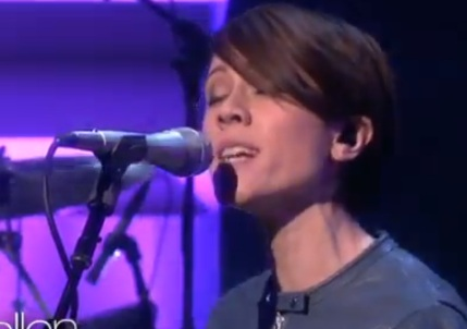 Tegan & Sara - Closer (Live @ The Ellen Degeneres Show)