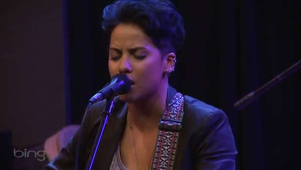 Vicci Martinez - Let You Down (Live @ Bing Lounge)