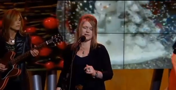 Crystal Bowersox - Coming Out For Christmas (Live @ Good Day LA)