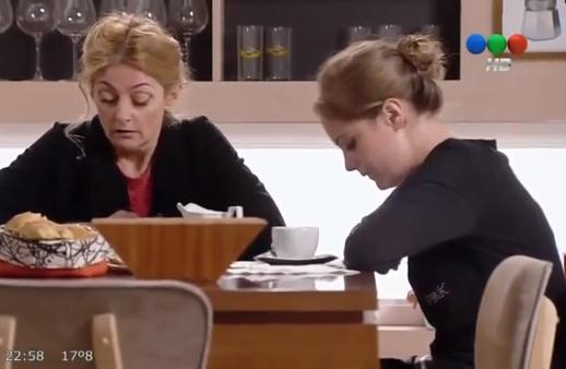 Agustina & Valeria (Los Vecinos en Guerra) - Episode 75
