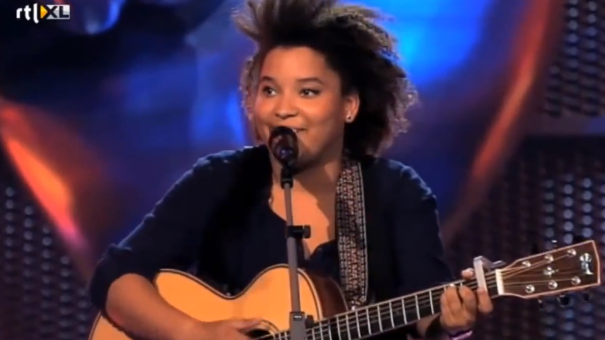 Julia van der Toorn (The Voice) - Oops I Did It Again/Empire State Of Mind