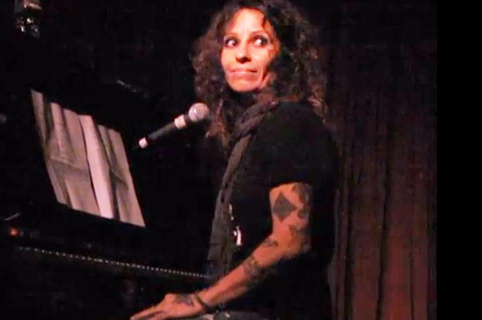 Linda Perry - Angie (Live @ Hotel Cafe)