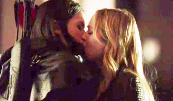 Sara & Nyssa (Arrow) - Season 2, Episode 13