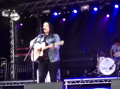 Lucy Spraggan - Give Me Sunshine