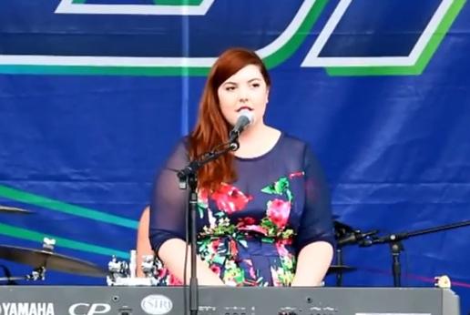 Mary Lambert - She Keeps Me Warm (Live @ Market Days 2014)