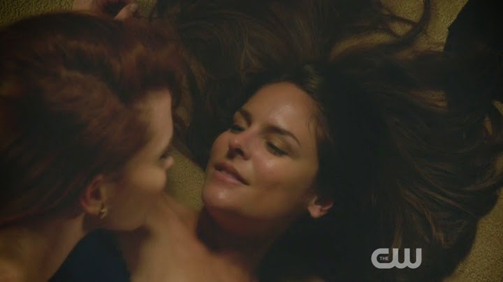 Luisa & Rose (Jane The Virgin) - Season 1, Episode 3