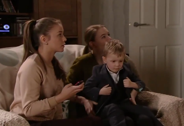 Sophie & Maddie (Coronation Street) – 25 May 2015