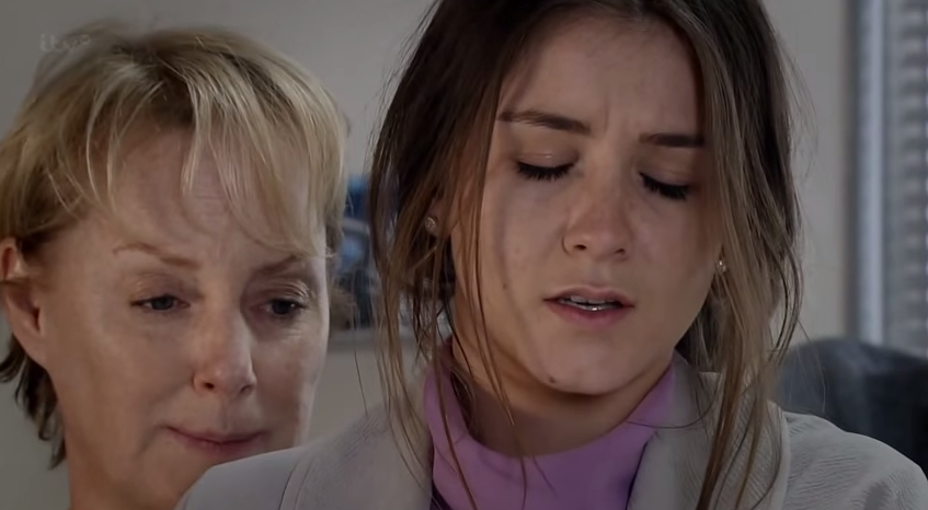 Sophie & Maddie (Coronation Street) 29 May 2015