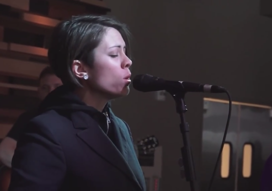 Tegan & Sara - Click 98.9 Acoustic Lounge