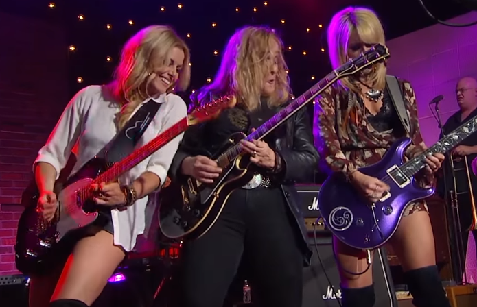 Melissa Etheridge - You Can Rock Me Baby (ft. Orianthi and Lindsay Ell)