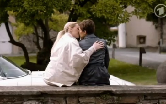 Rebecca & Marlene (Verbotene Liebe) - Episode 4207