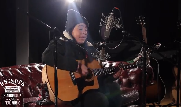 Lucy Spraggan - Umbrella (Live @ Ont' Sofa Gibson Sessions)