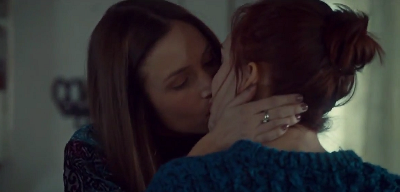 Waverly & Nicole (Wynonna Earp) - Season 2, Episode 1